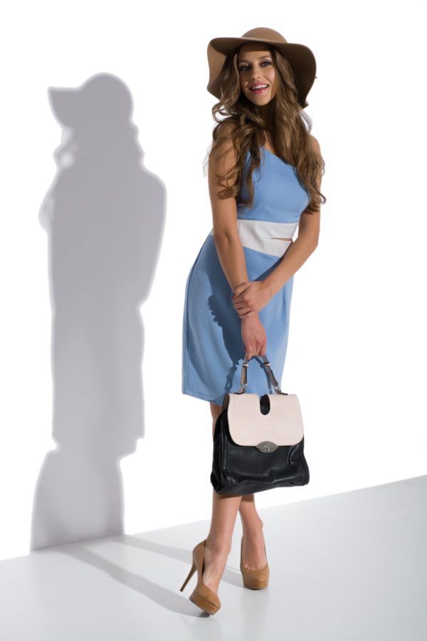 Sukienka olowkowa na jedno ramie Heaven modelka front2