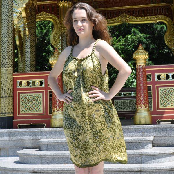 Robe mini en soie verte avec collier