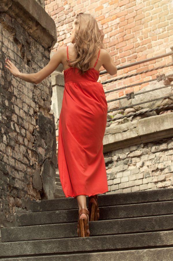 Sukienka letnia maxi na ramiaczkach pomaranczowa model back