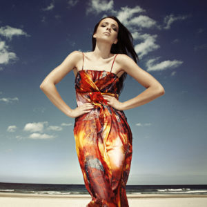 Sukienka maxi jedwabna w kolorze ognia icon