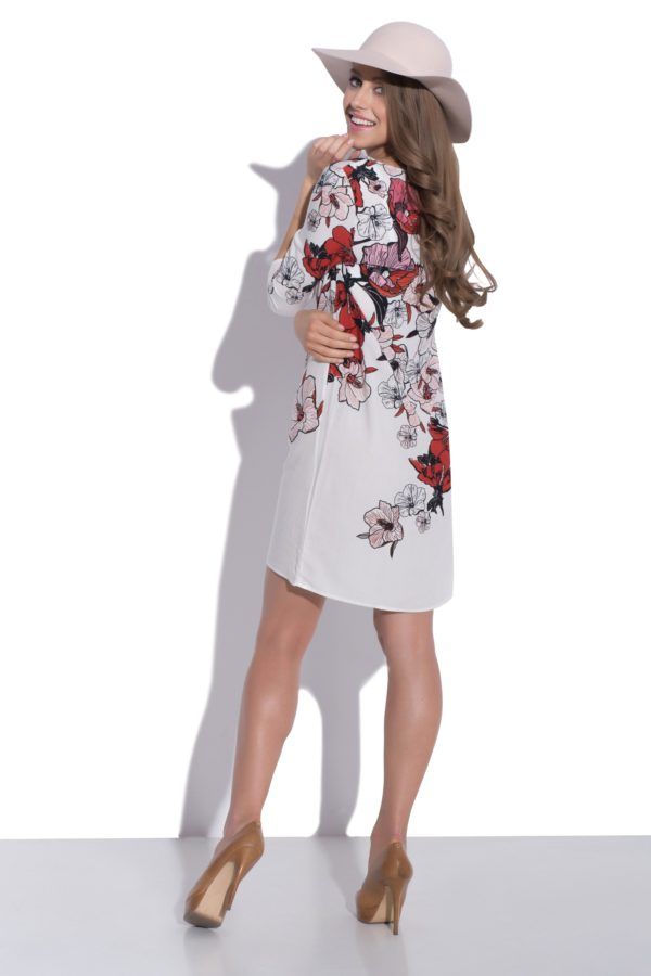 Sukienka z nadrukiem kwiatowym modelka back