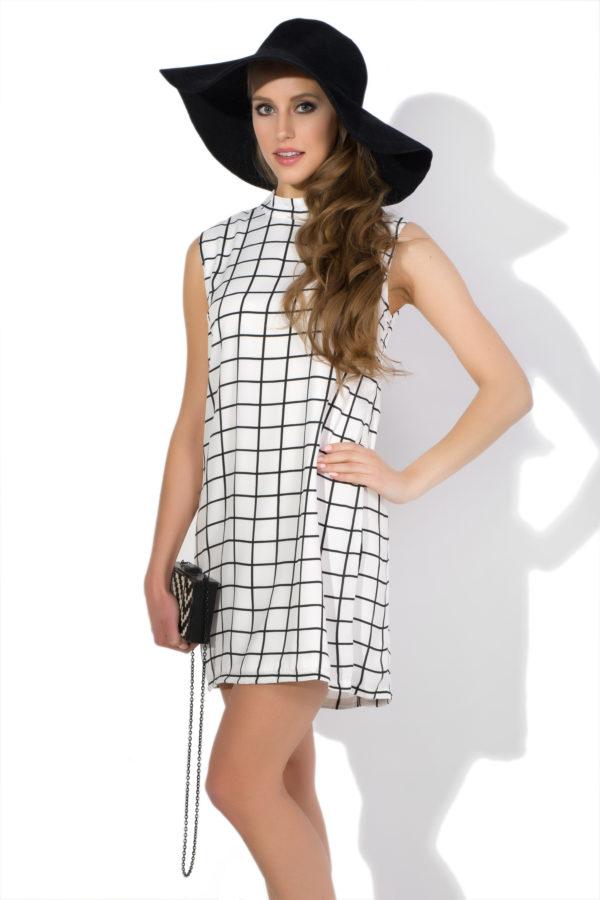 Sukienka mini w kratkę model front