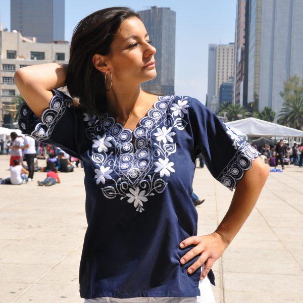 Tunique mexicaine brodée Alegría bleu foncé